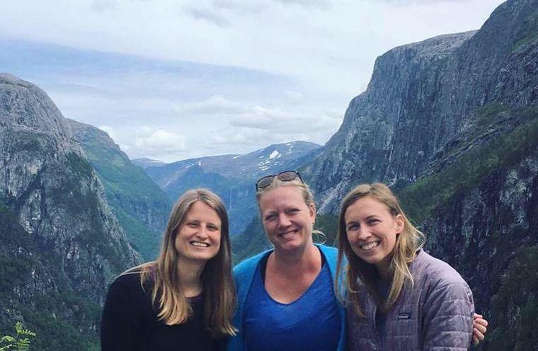 Impact Hub teamet på Startup Extreme. Julia Winslow (Operational Manager), Silje Grastveit (CEO & founder), Natalie Hoage (Community Manager).