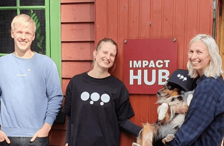 Øystein innom gjengen på Impact Hub Bergen på Bryggen